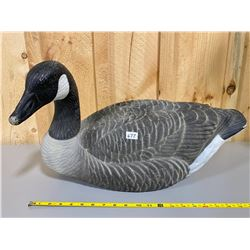 LOT OF 8 CANADIAN GOOSE STORM FRONT DECOYS