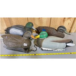 LOT OF 17 FLOATABLE DUCK DECOYS