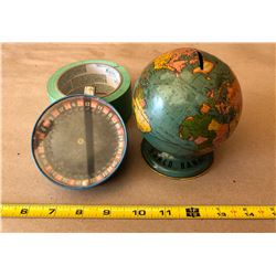 VINTAGE TIN WORLD BANK & ROULETTE GAME