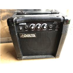 DELTA GUITAR AMPLIFIER