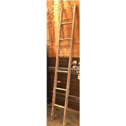 7' SINGLE RUNG WOOD LADDER