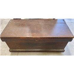 ANTIQUE CARPENTERS BOX WITH PARTS TRAYS