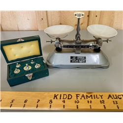 LOT OF 2, VINTAGE COUNTER TOP SCALE WITH SEPARATE WEIGHT SET