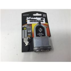 lot of 1x Master lock with key