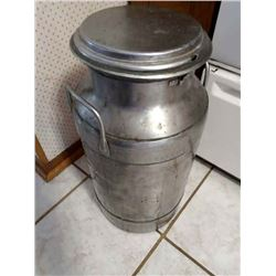ANTIQUE MILK CAN /OUTSTANDING CONDITION