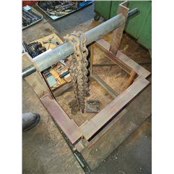 Steel bracket lift with roller and chain