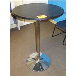 Round Table w/ Metal Pedestal Base