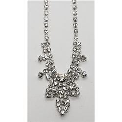 MODERN RHINESTONE NECKLACE