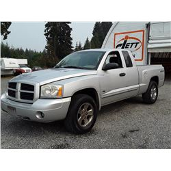 F4 --  2007 DODGE DAKOTA ST EXT CAB 4X4 , Grey , 372441  KM's