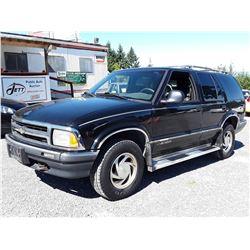 A2 --  1995 CHEVROLET BLAZER , Black , 298725  KM's