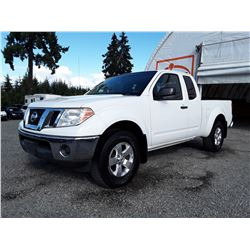 H1 --  2009 NISSAN FRONTIER KING CAB SE , White ,   KM's