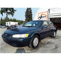 M3 --  1998 TOYOTA CAMRY CE, GREEN, 178,596 MILES