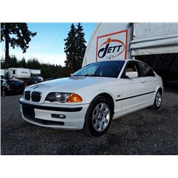 B3 --  1999 BMW 328 I  , White , 199052  KM's