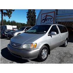 D6 --  2002 TOYOTA SIENNA LE, SILVER, 240716 KM'S
