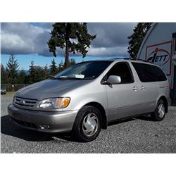 F4 --  2001 TOYOTA SIENNA LE  , Brown , 225053  KM's