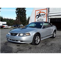 E6 --  2001 FORD MUSTANG CONVERTIBLE , Silver , 258764  KM's