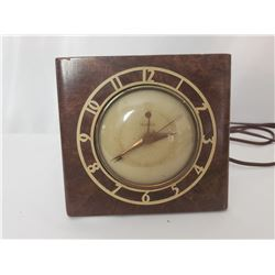 Telechron Electric Clock Model 7H87 The Mentor With Burled Walnut Case