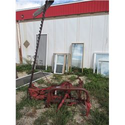 MF 238 3PH 9' Sickle Mower S#038067 - Have PTO Shaft- Thor Magnusson Moved Into Town- NO RESERVE BID