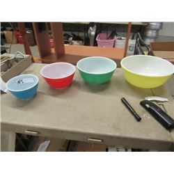 Set of 4 Primary Colored Pyrex Mixing Bowls Vintage