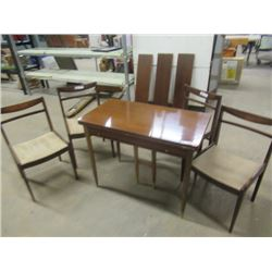 Dining Table Folds Out W 2 Extra Leaves & 4 Chairs Vintage