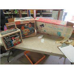 Tuneyville Choo - Choo, Toddler's Truck, Music Box Mobile - Vintage