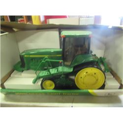 JD 8400 T Die Cast 1/16 Scale Toy