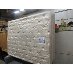 (EC) Sealy Queen Boxspring & Mattress w Bed Frame