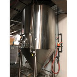 NSI STAINLESS STEEL TANK, APPROX. 4,000 LITRE, NO INFO PLATES
