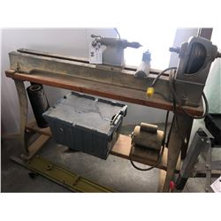 4' WOODWORKING LATHE WITH ACCESSORIES
