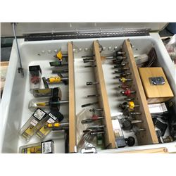 ASSORTED ROUTER BITS IN MIRROR CASE