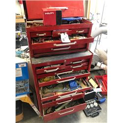MASTERCRAFT 18 DRAWER MOBILE MECHANIC'S TOOL CHEST WITH CONTENTS INC. FILES, KNIVES, HAMMERS AND