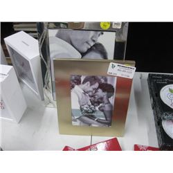2PC WEDDING PICTURE FRAMES