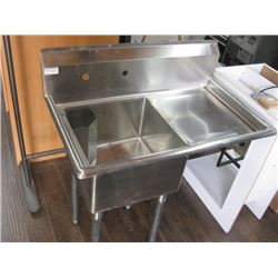 NEW S/S SINK WITH RIGHT DRAIN TRAY