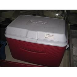 RED RUBBERMAID COOLER