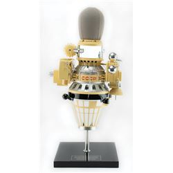 Luna 9 Model