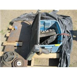 PALLET WITH RADIATOR & ASSORTED AUTOMOTIVE PCS