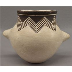 ACOMA INDIAN POTTERY JAR (LUCY M LEWIS)