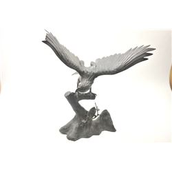 19th to early 20th century cast bronze eagle,  possibly Japanese made for export.  The  piece collap