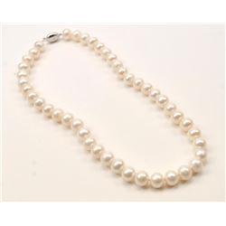 One strand of fine quality white pears with  pinkish tone diameter approx. 12mm length 20  inches Es
