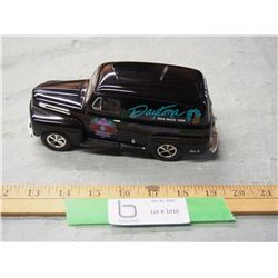 Daytona Limited Edition 1948 Ford 1/24 Scale