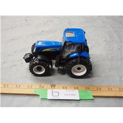 "ERTL New Holland T7030 Toy Tractor 6.5"" Long"