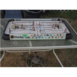 NHL Stanley Cup Hockey Game (Plastic Player) Coleco