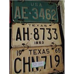 22 Assorted USA License Plates (Some Pairs)