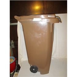 "Plastic Garbage Can with Lid on Rollers 33"" T"