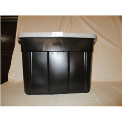 Rubbermaid Storage Container with Lid