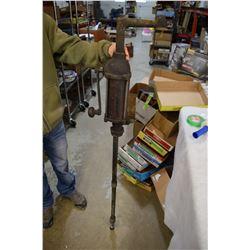 Quart a Stroke Oil Pump Barer