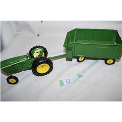 John Deere Tractor Trailer