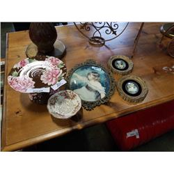 3 VINTAGE PORTRAITS, CAKE STAND AND PEDESTAL DISH
