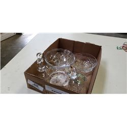 TRAY OF CRYSTAL AND GLASSWARE