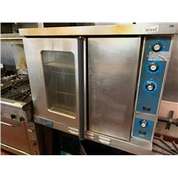 Duke 6/13 Gas Convection Oven ‹NOTE: ALL DISCONNECTIONS MUST BE COMPLETED BY LIC